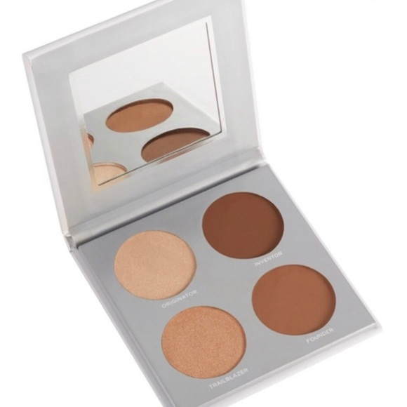 NEW Pur highlight and contour palette